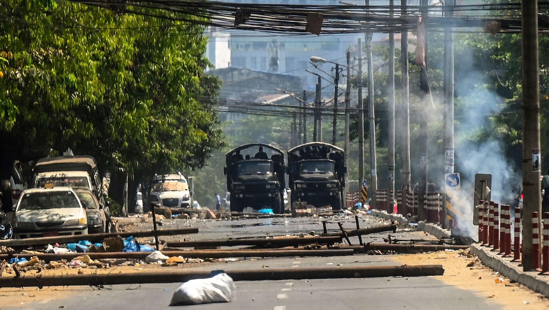 Cuộc biểu tình ở Yangon, Myanmar. - Sputnik Việt Nam, 1920, 15.03.2021