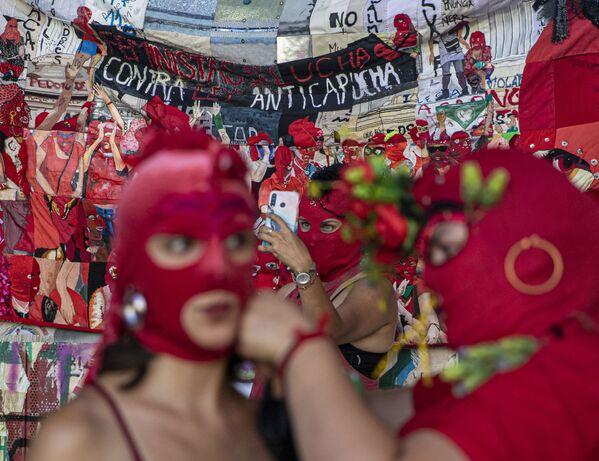 Tuần hành kỷ niệm Ngày Quốc tế Phụ nữ ở Santiago, Chile - Sputnik Việt Nam