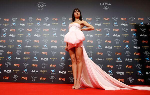 Nữ nghệ sĩ Hiba Abouk trên thảm đỏ trong nghi lễ trao giải Điện ảnh Quốc gia Tây Ban Nha «Goya» - Sputnik Việt Nam