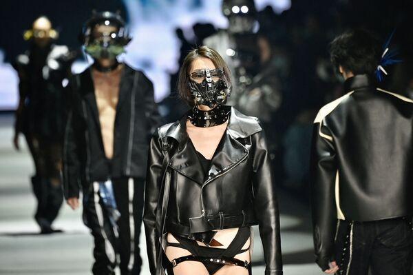 Trình diễn thời trang tại Taipei Fashion Week Autumn/Winter 2021 ở Đài Loan - Sputnik Việt Nam