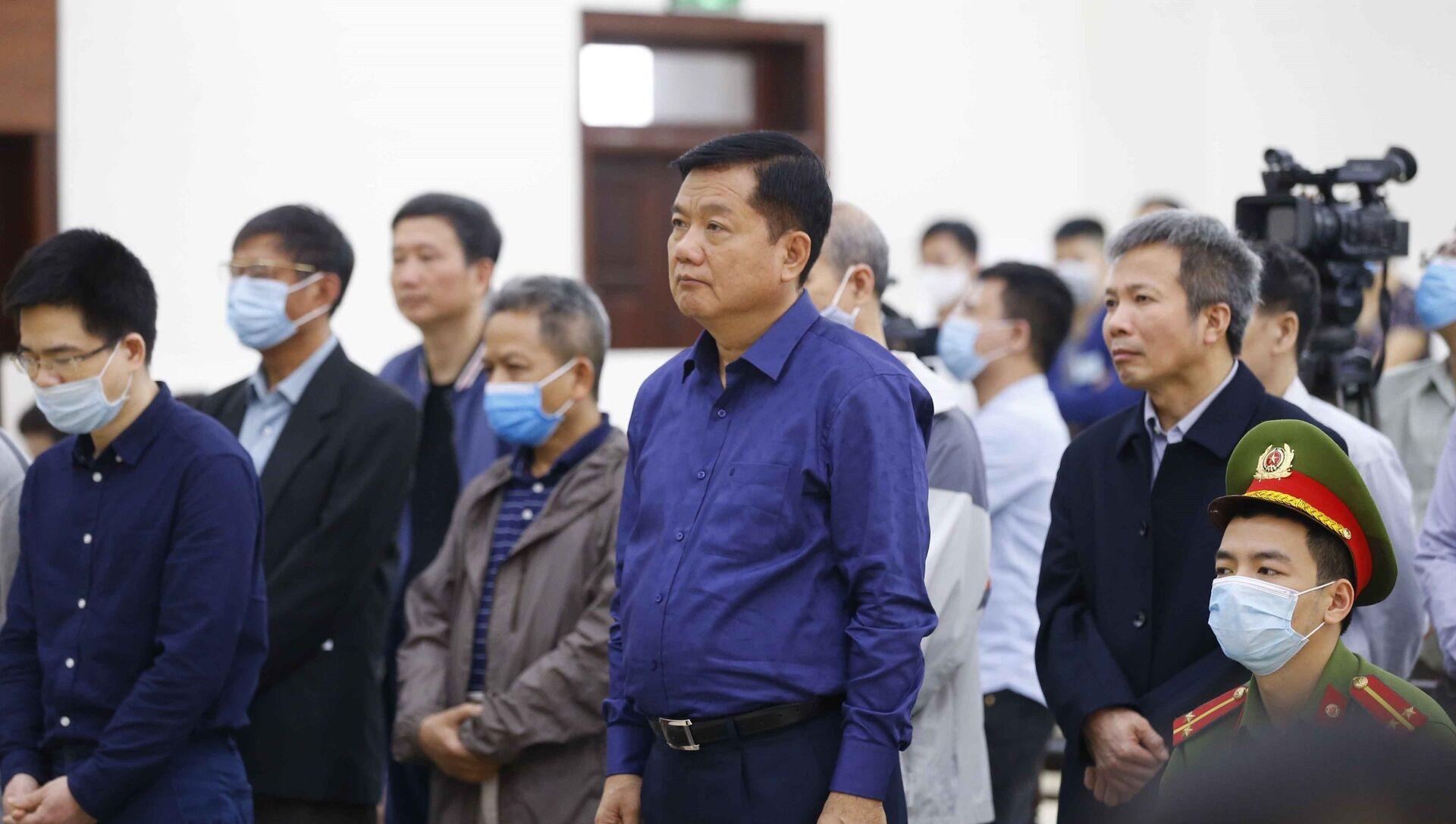 Các bị cáo nghe Hội đồng xét xử tuyên án. - Sputnik Việt Nam, 1920, 15.03.2021