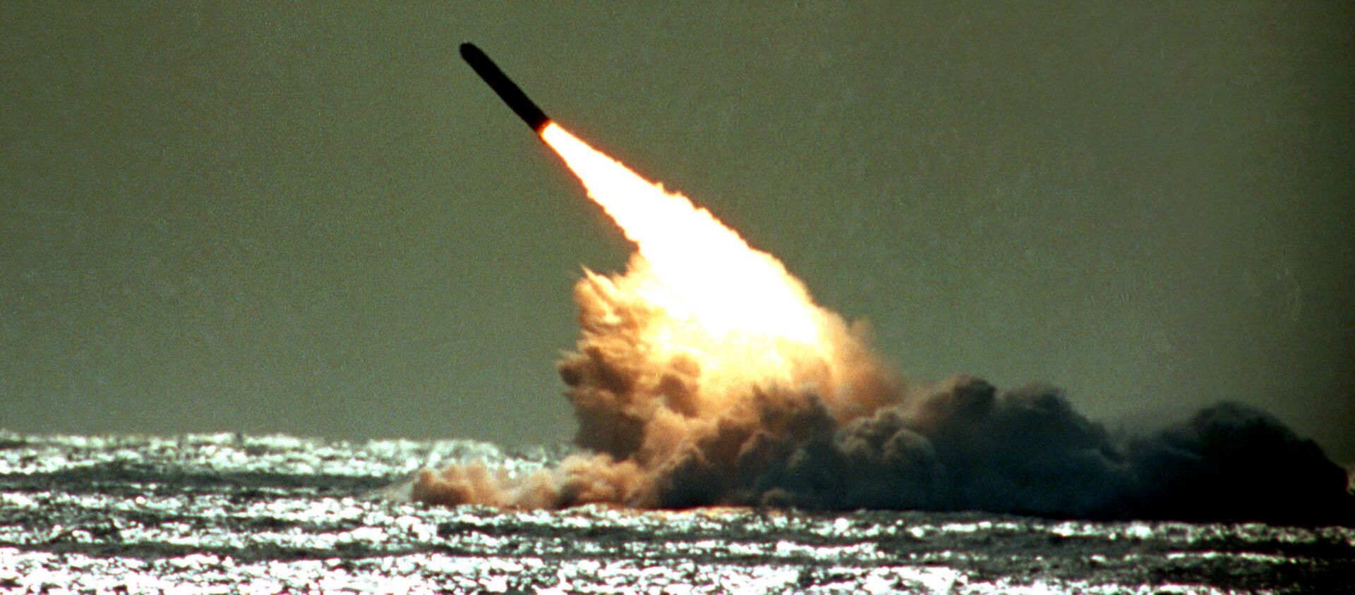 Phóng tên lửa Trident trên biển ở Hoa Kỳ - Sputnik Việt Nam, 1920, 16.03.2021