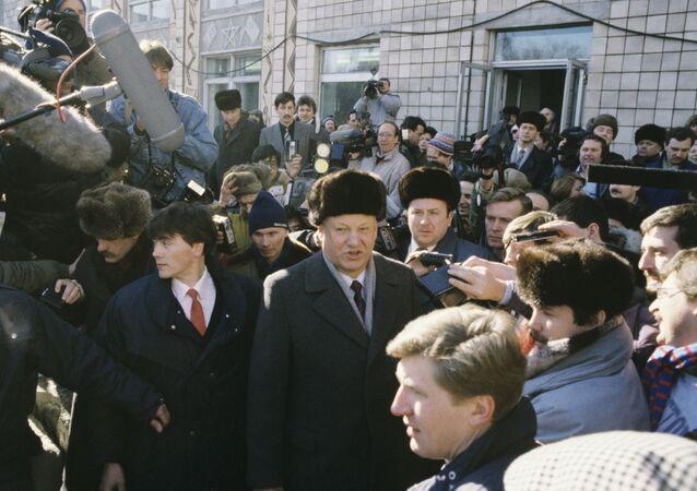 Boris Yeltsin trong cuộc trưng cầu dân ý toàn Liên Bang về tương lai của Liên Xô, ngày 17 tháng 3 năm 1991.