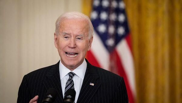 Tổng thống Mỹ Joe Biden phát biểu tại Phòng Đông của Nhà Trắng (18/3/2021). Washington - Sputnik Việt Nam