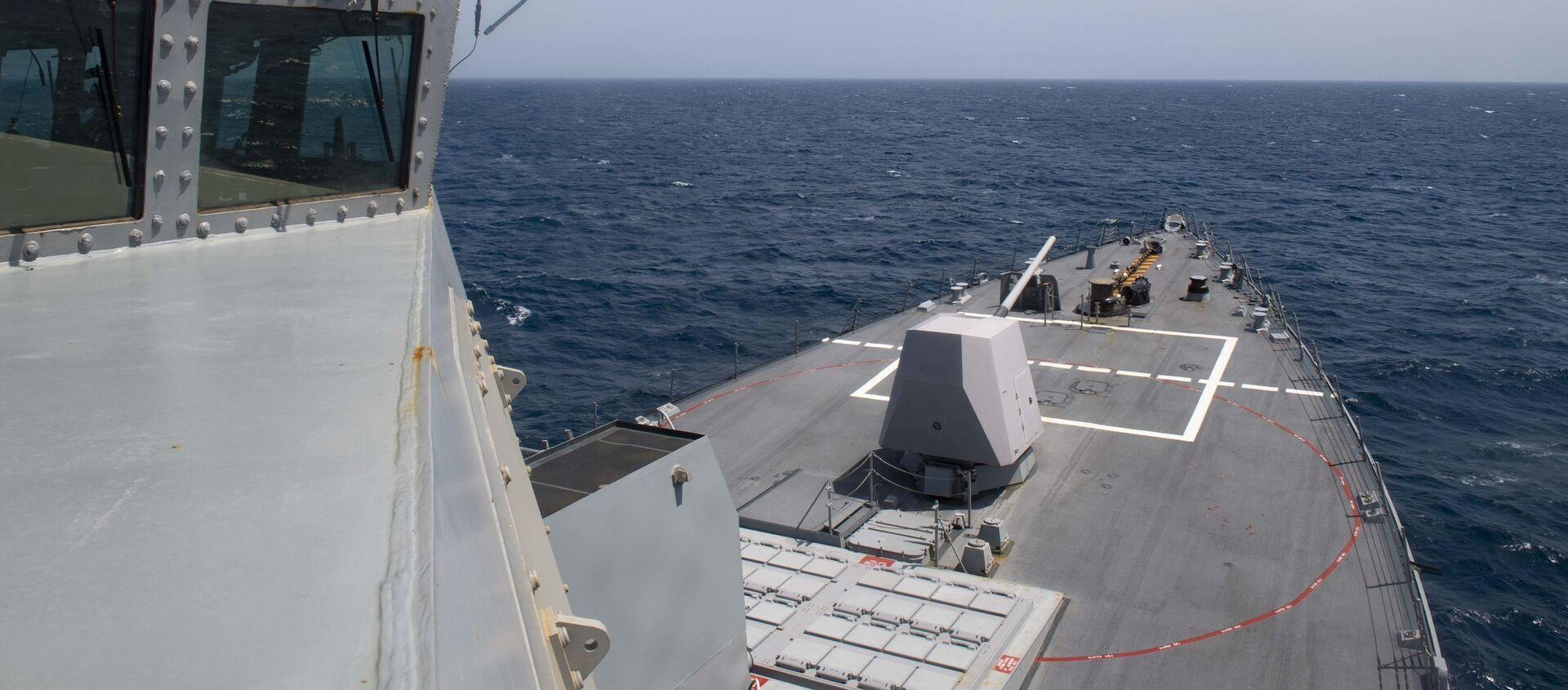 Tàu khu trục USS Thomas Hudner (DDG 116) của Mỹ băng qua Đại Tây Dương - Sputnik Việt Nam, 1920, 20.03.2021