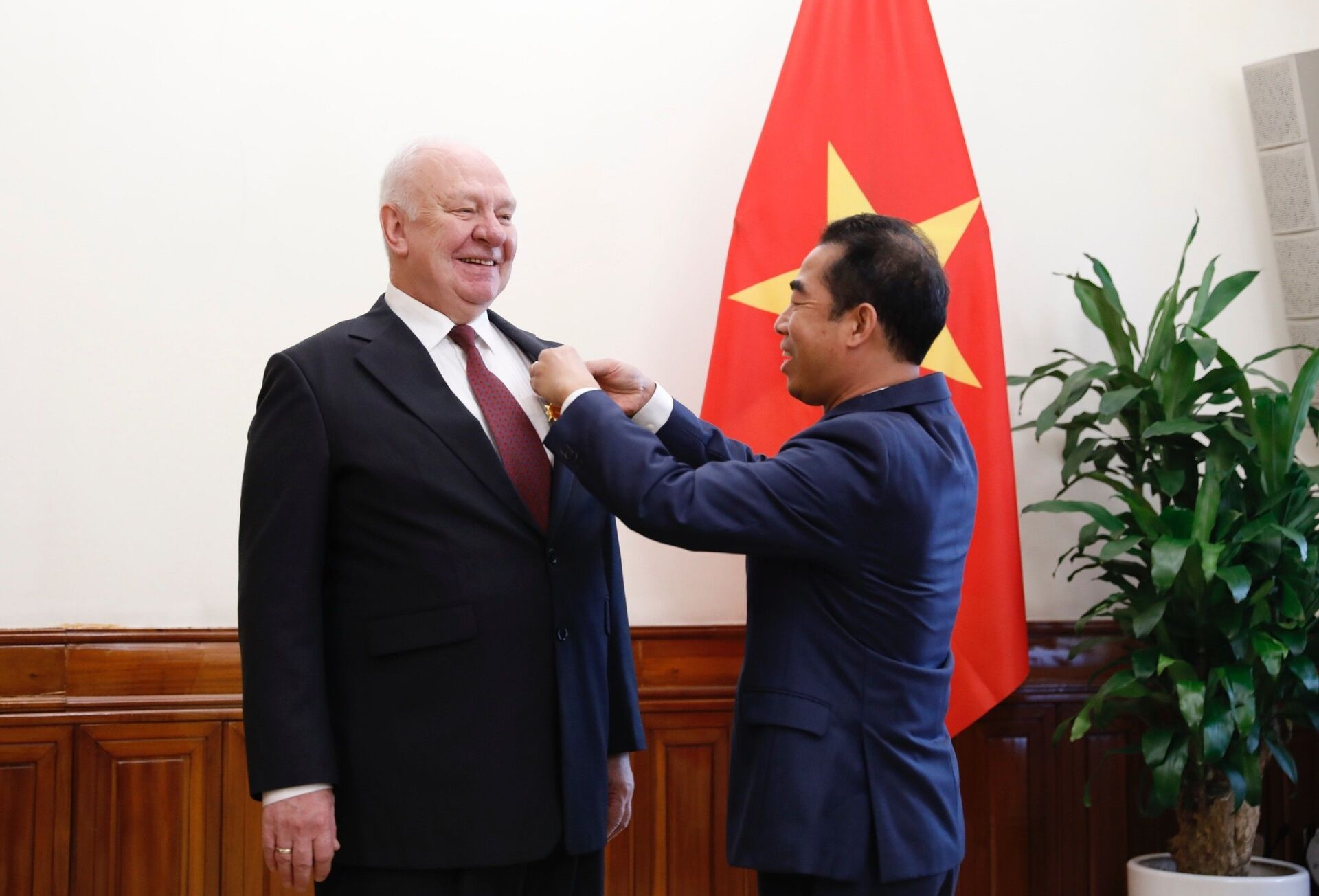 Tổng thống Putin bổ nhiệm tân Đại sứ Nga tại Việt Nam - Sputnik Việt Nam, 1920, 25.03.2021