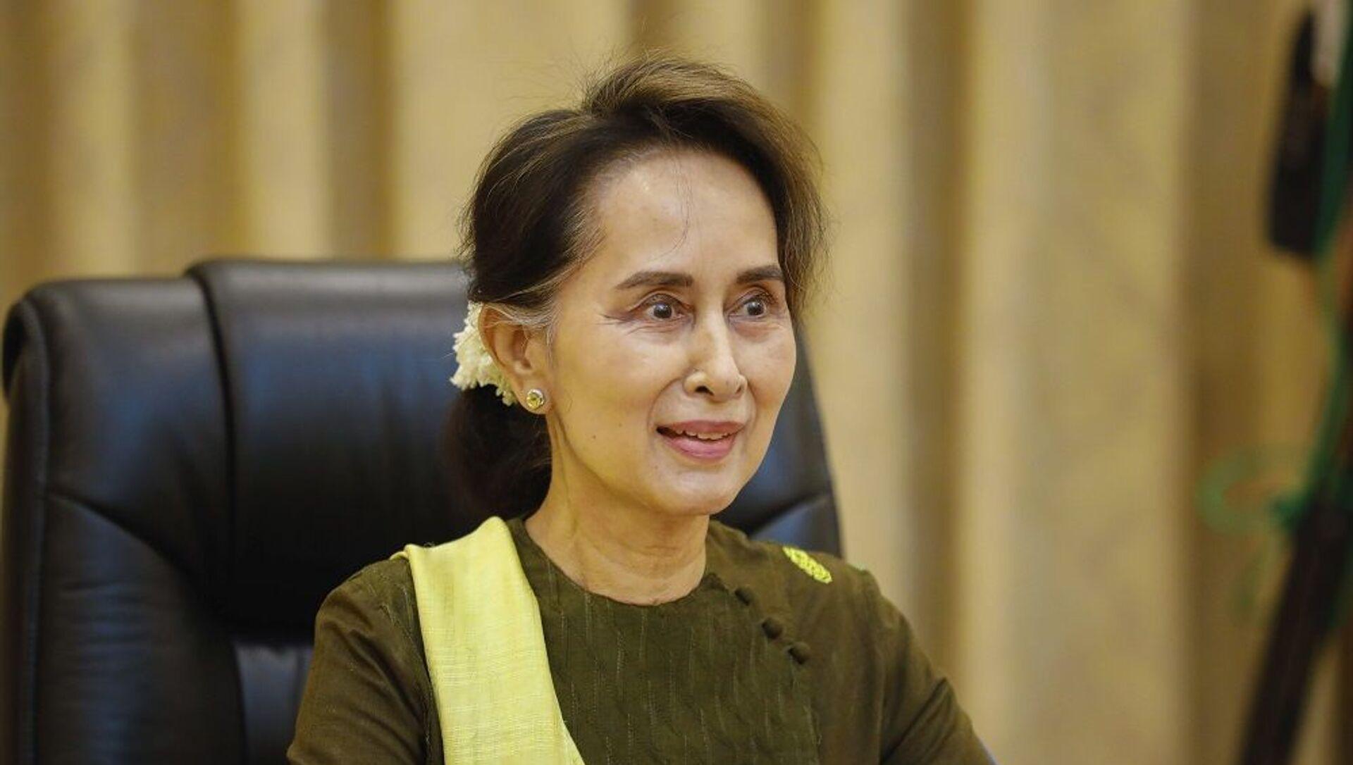 Aung San Suu Kyi, Bộ trưởng Ngoại giao Myanmar và Quốc vụ khanh cho Tổng thống - Sputnik Việt Nam, 1920, 23.03.2021