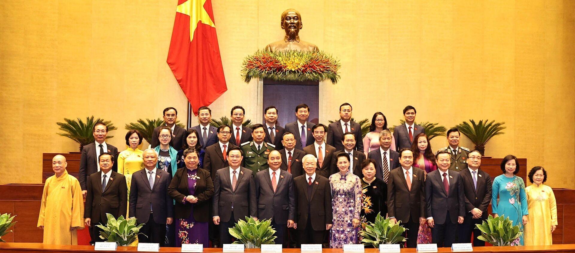Các đồng chí lãnh đạo Đảng, Nhà nước, Quốc hội với các Đại biểu Quốc hội Thành phố Hà Nội. - Sputnik Việt Nam, 1920, 24.03.2021