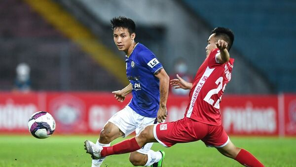 Đỗ Hùng Dũng chơi vị trí tiền vệ trung tâm và được đánh giá là một trong những cầu thủ đánh chặn hay nhất khu vực Đông Nam Á. - Sputnik Việt Nam