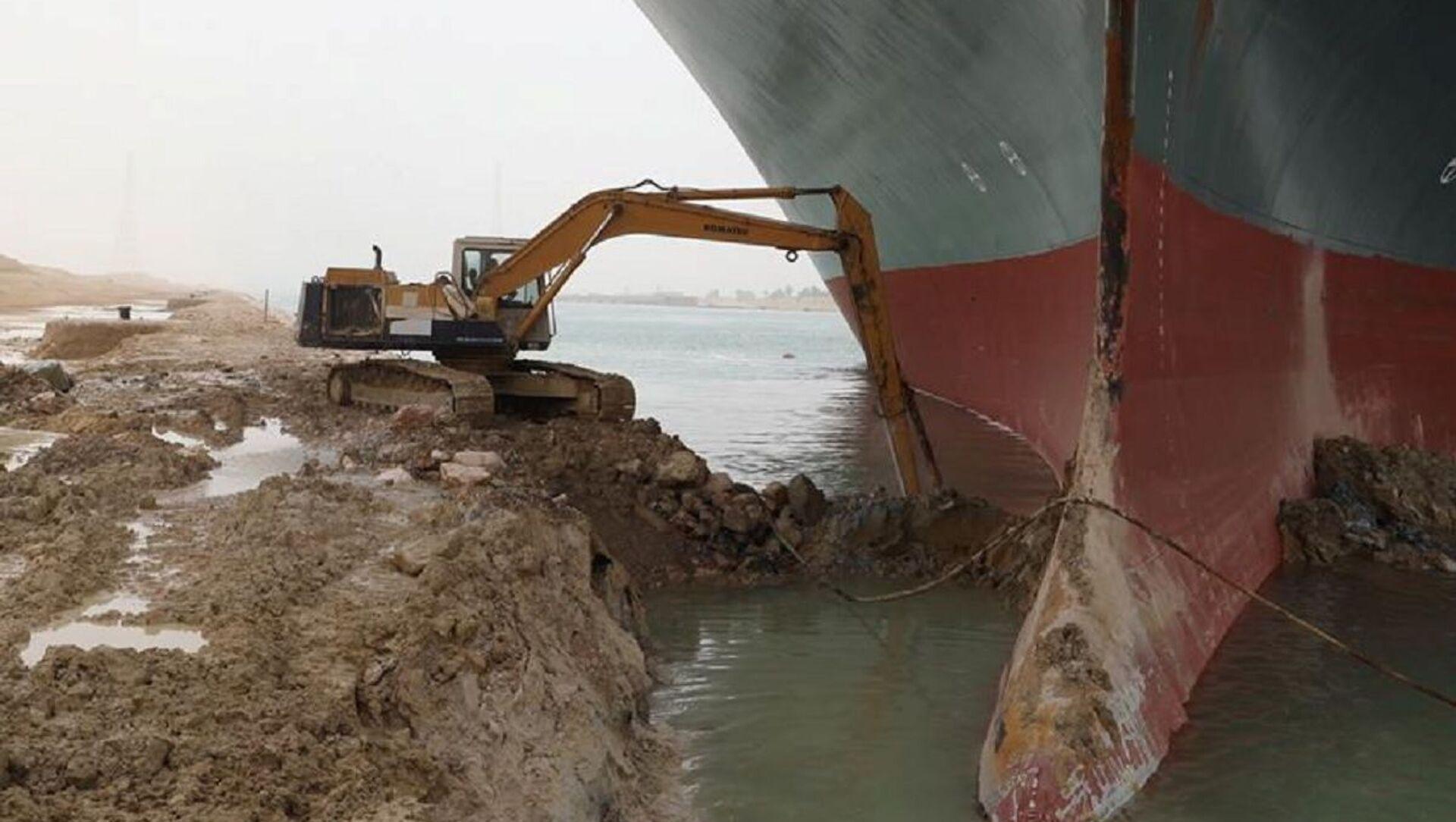 Tàu container Ever Given bị mắc cạn ở kênh đào Suez - Sputnik Việt Nam, 1920, 26.03.2021