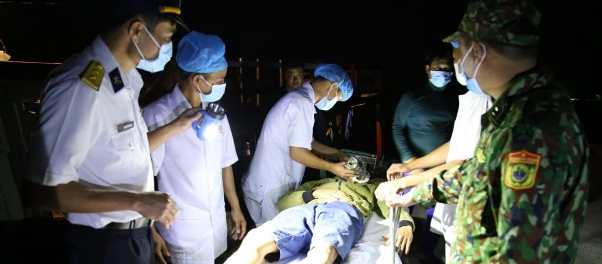 Biển đảo Việt Nam: Trung tâm Y tế đảo Trường Sa cấp cứu thành công ngư dân bị đột quỵ não - Sputnik Việt Nam, 1920, 26.03.2021