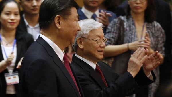 Tổng Bí thư, Chủ tịch nước Nguyễn Phú Trọng và Chủ tịch Trung Quốc Tập Cận Bình. - Sputnik Việt Nam