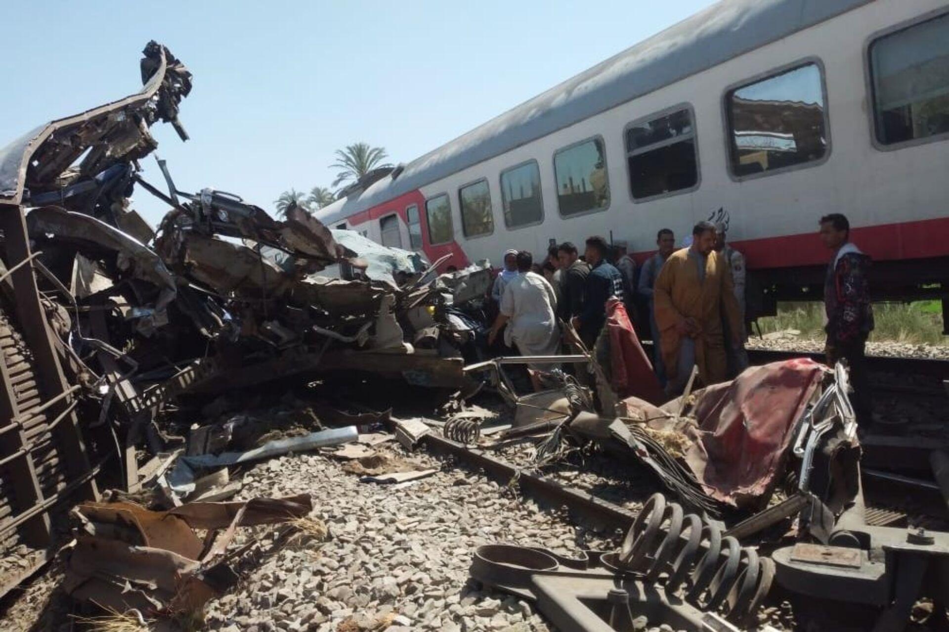 Tại Ai Cập vừa xảy một vụ va chạm của hai đoàn tàu khiến 32 người thiệt mạng - Sputnik Việt Nam, 1920, 26.03.2021