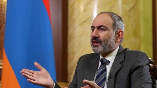 Thủ tướng Armenia Nikol Pashinyan trong cuộc phỏng vấn với Reuters ở Yerevan, Armenia - Sputnik Việt Nam