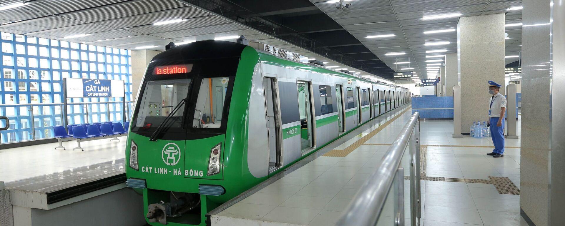 Tàu đường sắt tuyến Cát Linh - Hà Đông có tốc độ thiết kế tối đa 80 km/h.  - Sputnik Việt Nam, 1920, 09.04.2021
