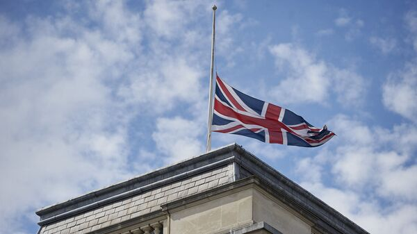 Quốc kỳ Anh trên tòa nhà Bộ Ngoại giao Anh ở London. - Sputnik Việt Nam