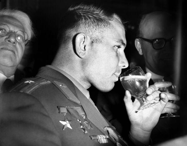 Phi công vũ trụ Yuri Gagarin ở London - Sputnik Việt Nam