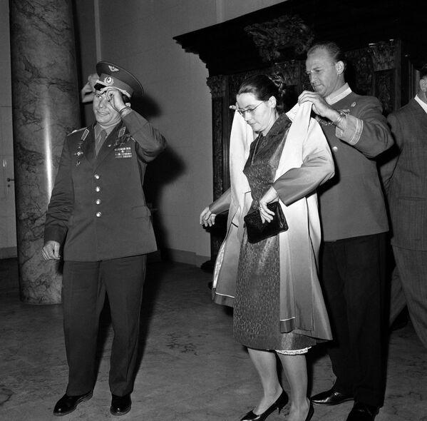Phi công vũ trụ Yuri Gagarin và vợ ở Copenhagen - Sputnik Việt Nam