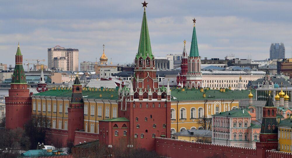 Quang cảnh các tòa tháp của Điện Kremlin ở Matxcơva.