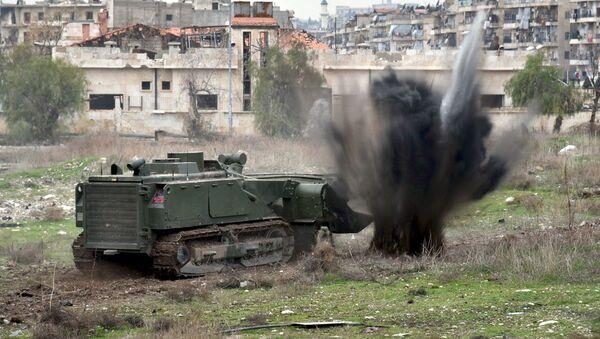 Công binh Nga rà phá bom mìn tại khu dân cư ở Aleppo - Sputnik Việt Nam