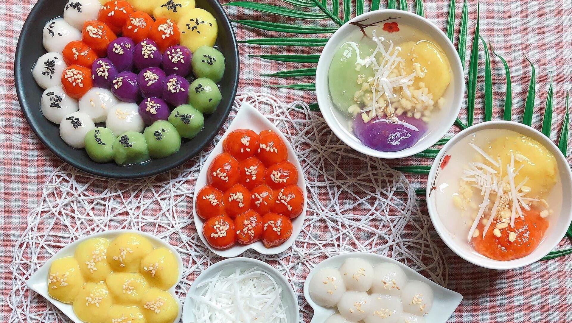 Màu bánh trôi, bánh chay được chị Hoan nhuộm bằng những nguyên liệu tự nhiên. - Sputnik Việt Nam, 1920, 14.04.2021