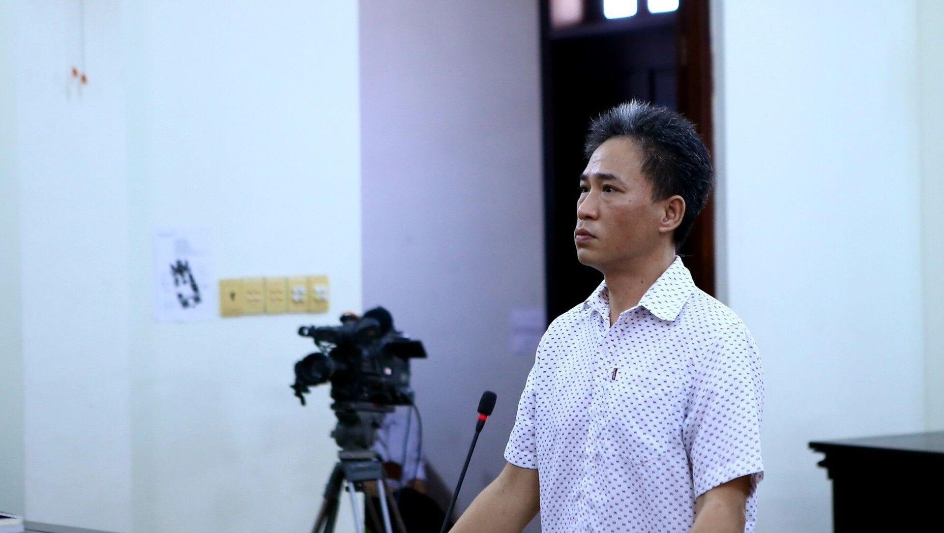Bị cáo Quách Duy bị tuyên phạt 4 năm 6 tháng tù. - Sputnik Việt Nam, 1920, 15.04.2021