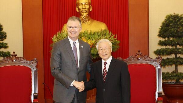 Tổng Bí thư Nguyễn Phú Trọng tiếp Đại sứ Hoa Kỳ Daniel J.Kritenbrink. - Sputnik Việt Nam