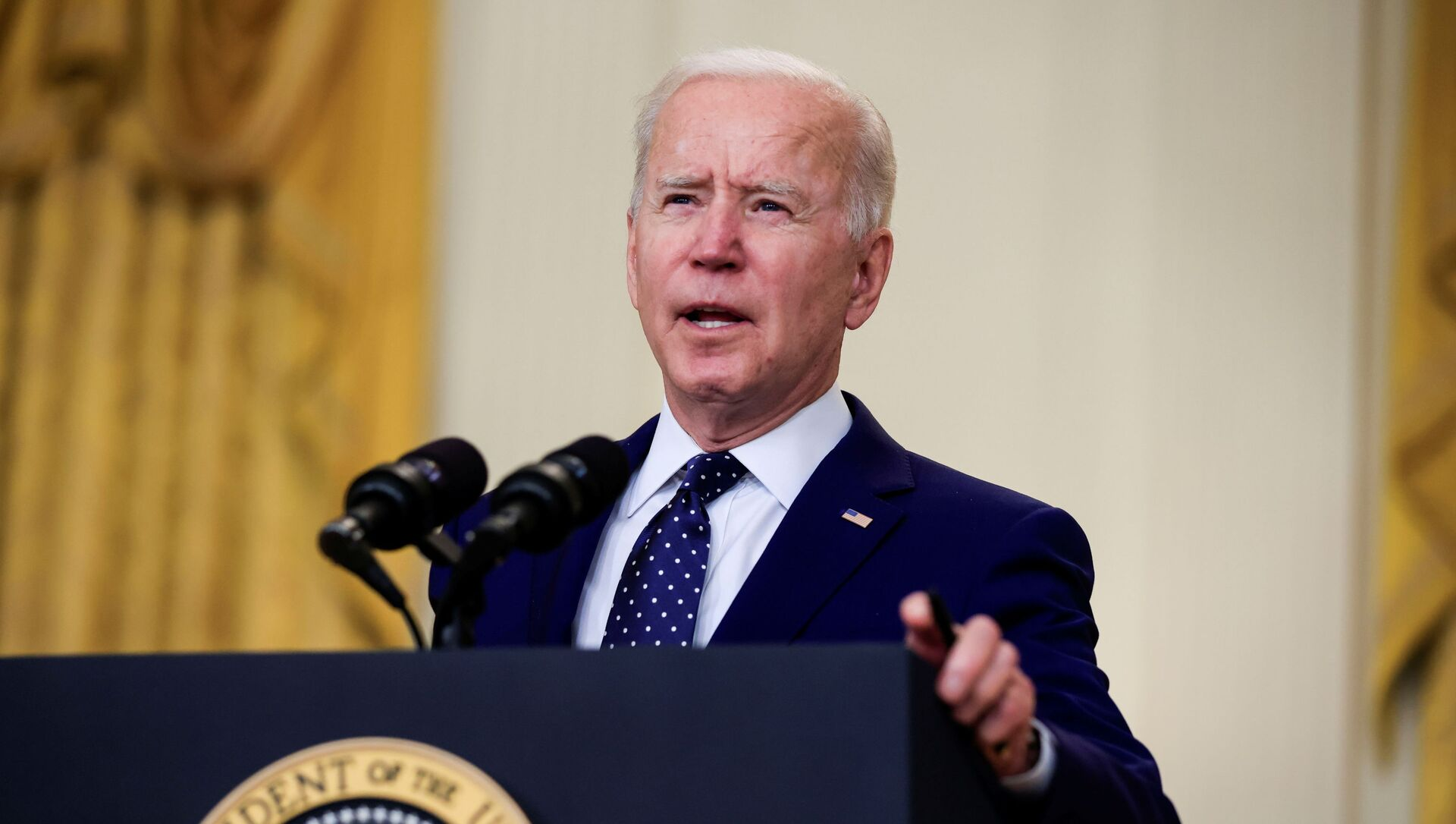 Tổng thống Hoa Kỳ Joe Biden có bài phát biểu về Nga tại Sảnh Đông của Nhà Trắng ở Washington DC, Hoa Kỳ. - Sputnik Việt Nam, 1920, 11.05.2021