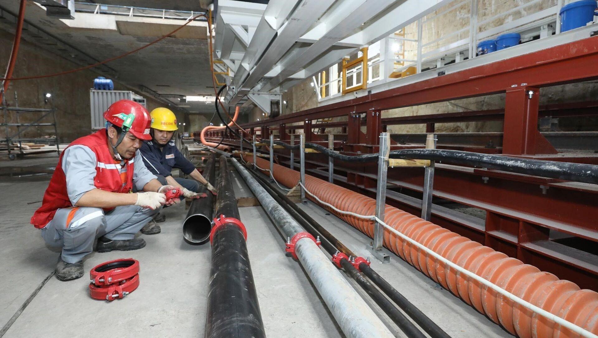 Nhân viên, người lao động làm việc tại Dự án Metro Line 3 Hà Nội. - Sputnik Việt Nam, 1920, 16.04.2021