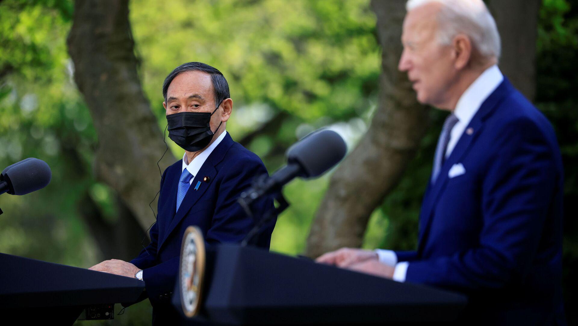 Tổng thống Hoa Kỳ Joe Biden và Thủ tướng Nhật Bản Yoshihide Suga. - Sputnik Việt Nam, 1920, 17.04.2021