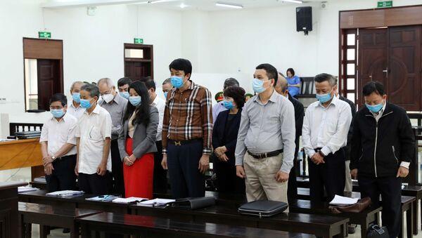 Các bị cáo nghe đại diện Viện Kiểm sát đọc cáo trạng và đề nghị mức án. - Sputnik Việt Nam