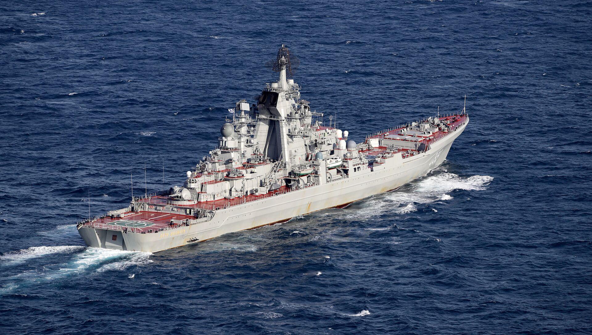 Hải quân và Không quân Anh hộ tống tàu sân bay Đô đốc Kuznetsov. - Sputnik Việt Nam, 1920, 25.04.2021