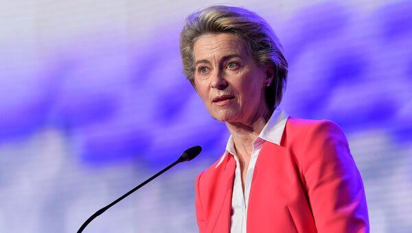 Người đứng đầu Ủy ban châu Âu, bà Ursula von der Leyen. - Sputnik Việt Nam