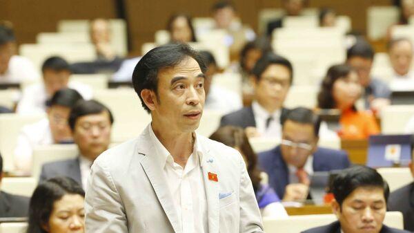 Đại biểu Quốc hội Quốc hội TP. Hà Nội Nguyễn Quang Tuấn phát biểu ý kiến. - Sputnik Việt Nam