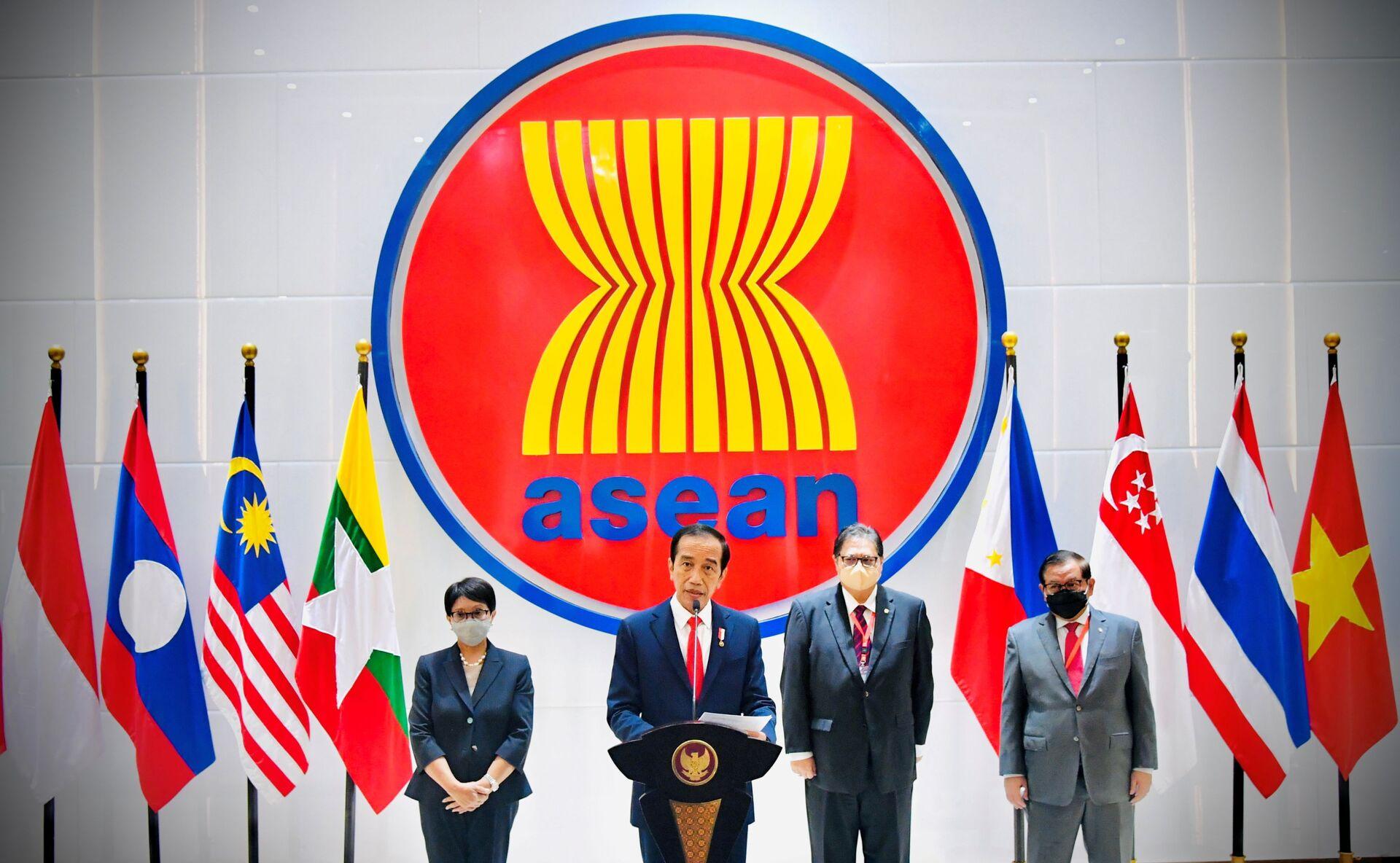 ASEAN sẽ bảo vệ quân đội Myanmar khỏi các biện pháp cứng rắn từ bên ngoài - Sputnik Việt Nam, 1920, 27.04.2021