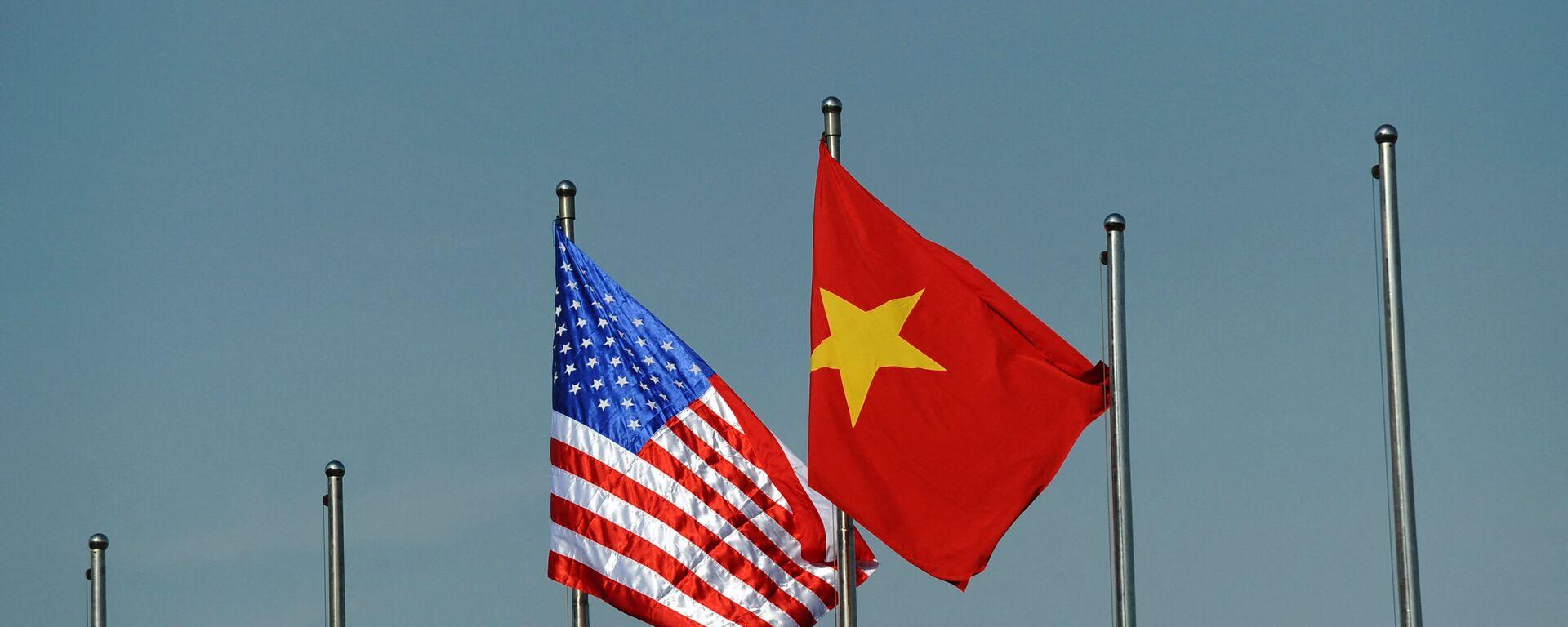 Quốc kỳ của Hoa Kỳ và Việt Nam. - Sputnik Việt Nam, 1920, 29.09.2021