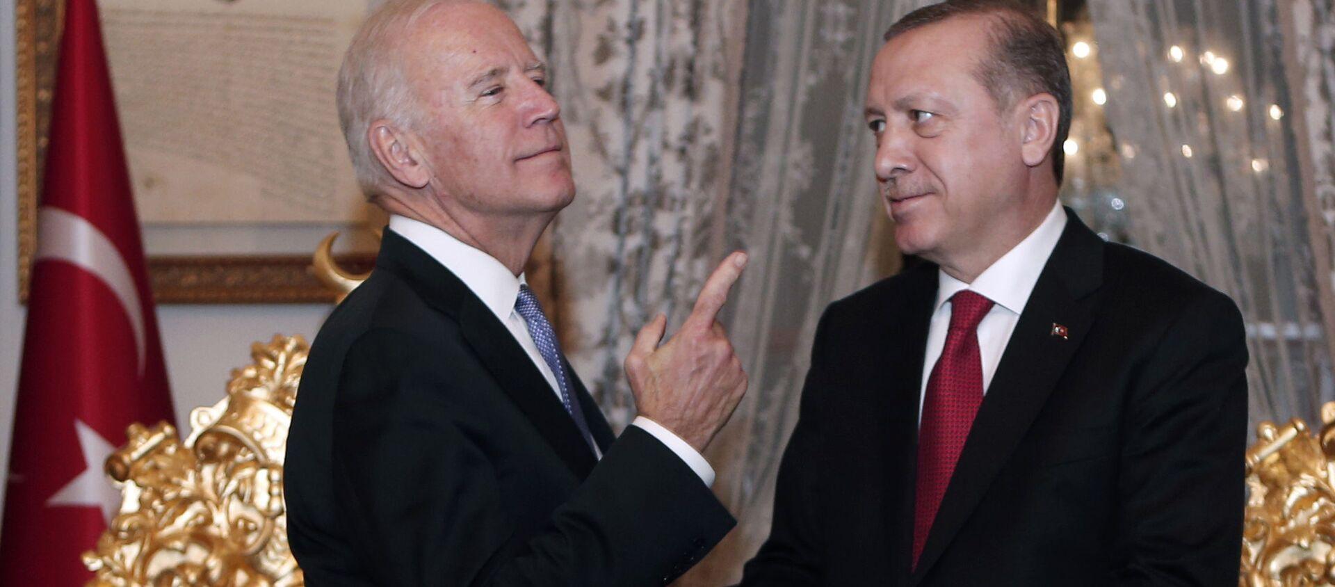 Joe Biden trong cuộc gặp với Recep Tayyip Erdogan ở Istanbul - Sputnik Việt Nam, 1920, 30.04.2021