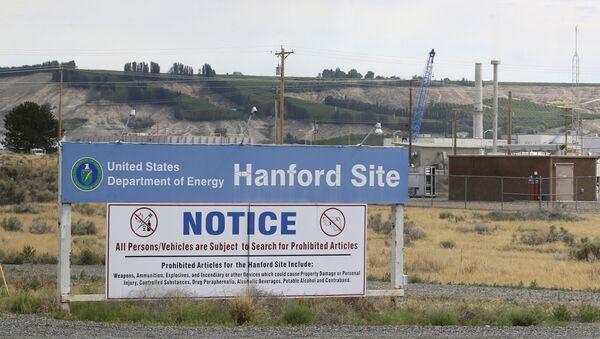 Biển chỉ đường ở lối vào Khu phức hợp Hanford ở Washington, Hoa Kỳ - Sputnik Việt Nam