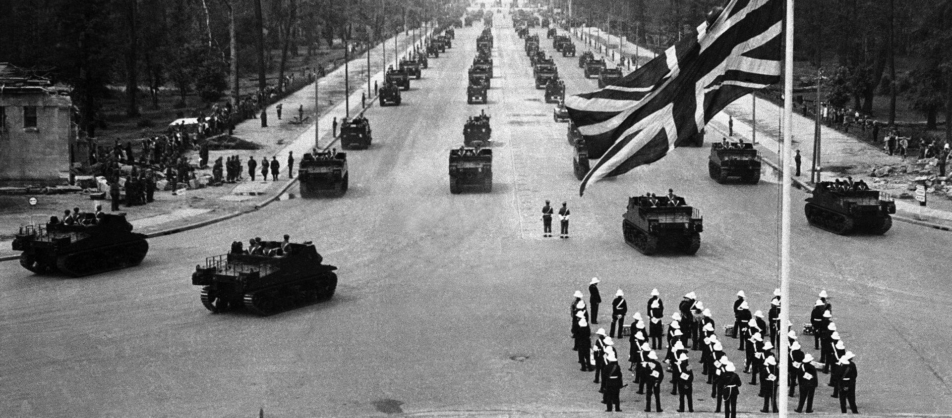 Quân đội Anh trong cuộc duyệt binh ở Berlin. 13 tháng 7 năm 1945 - Sputnik Việt Nam, 1920, 04.05.2021