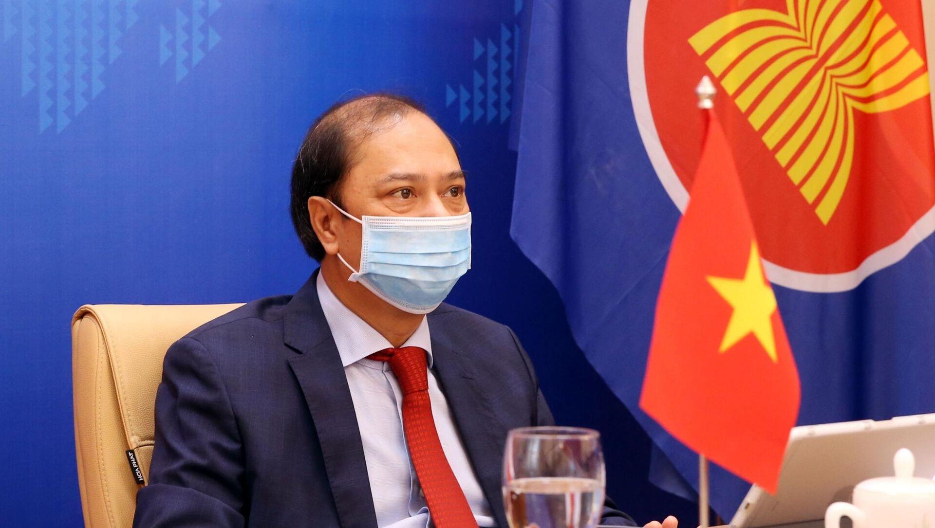 Thứ trưởng Bộ Ngoại giao Nguyễn Quốc Dũng dự Đối thoại ASEAN-Hoa Kỳ lần thứ 34 theo hình thức trực tuyến. - Sputnik Việt Nam, 1920, 06.05.2021