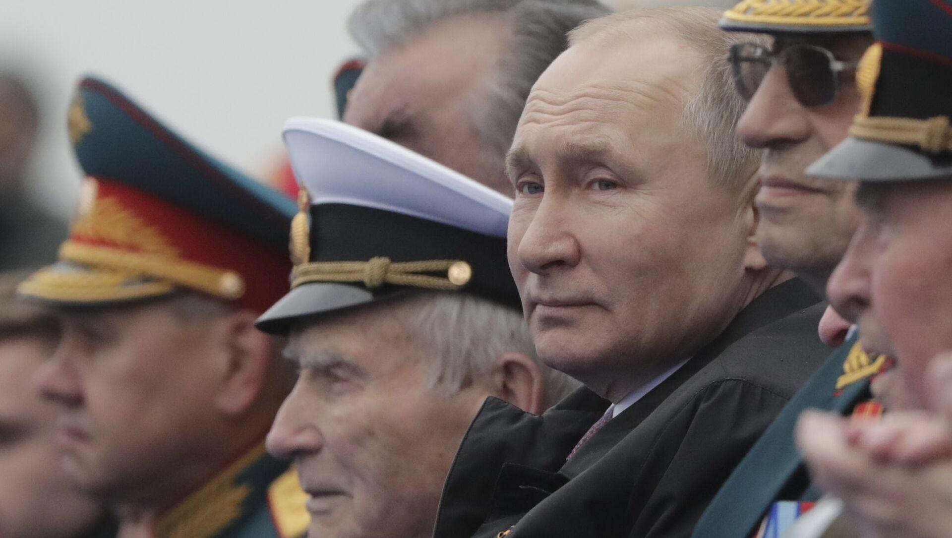 Tổng thống Putin chúc mừng các cựu chiến binh nhân Ngày Chiến thắng - Sputnik Việt Nam, 1920, 09.05.2021