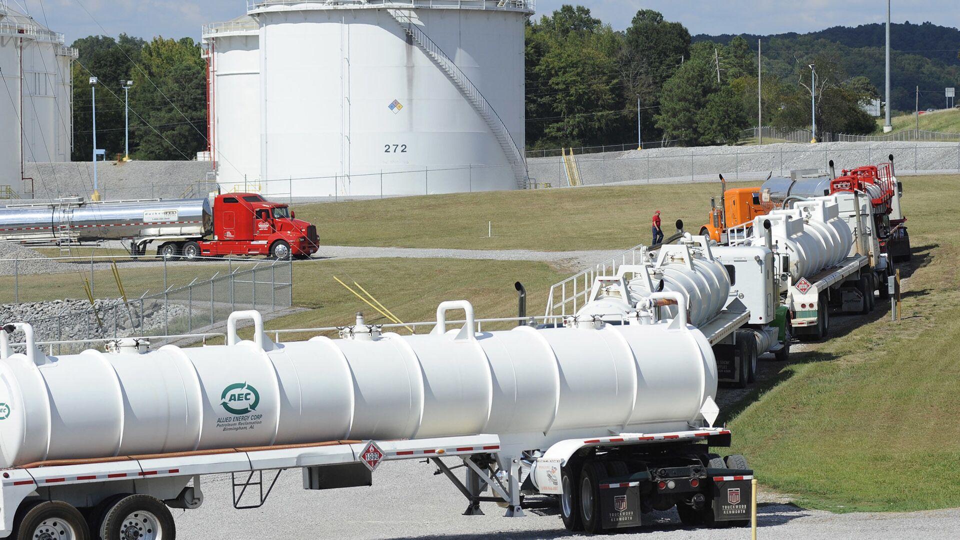 Xe bồn tại cơ sở Đường ống Thuộc địa ở Pelham, Alabama - Sputnik Việt Nam, 1920, 11.05.2021