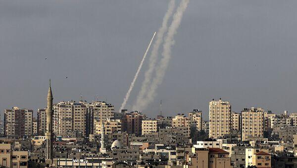 Khoảng 150 tên lửa đã được bắn từ Dải Gaza vào Israel - Sputnik Việt Nam