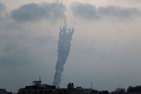 Phóng tên lửa từ Dải Gaza sang Israel  - Sputnik Việt Nam