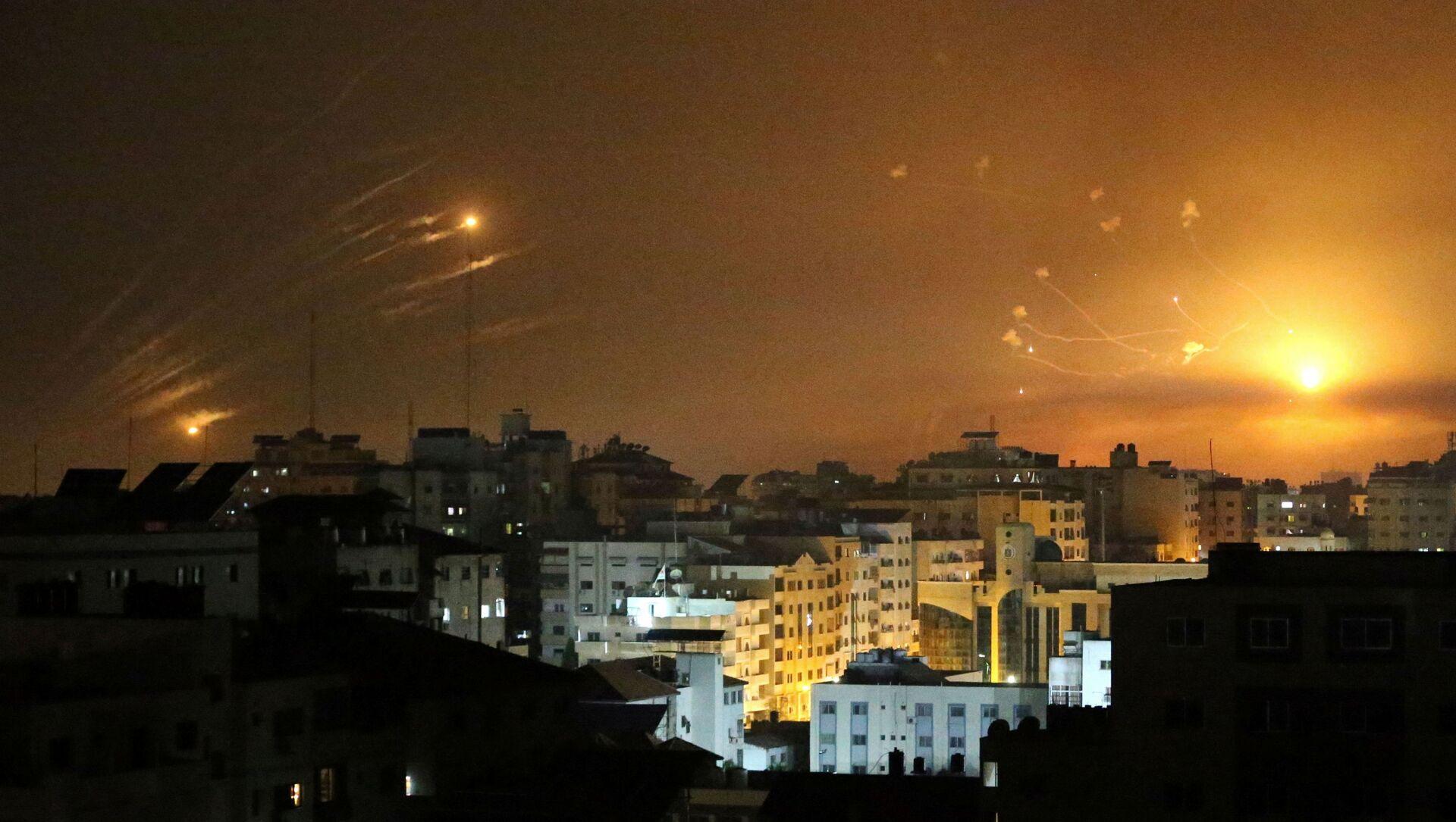 Israel bắn hạ những quả rocket phóng từ Dải Gaza (ngày 12/5/2021) - Sputnik Việt Nam, 1920, 12.05.2021