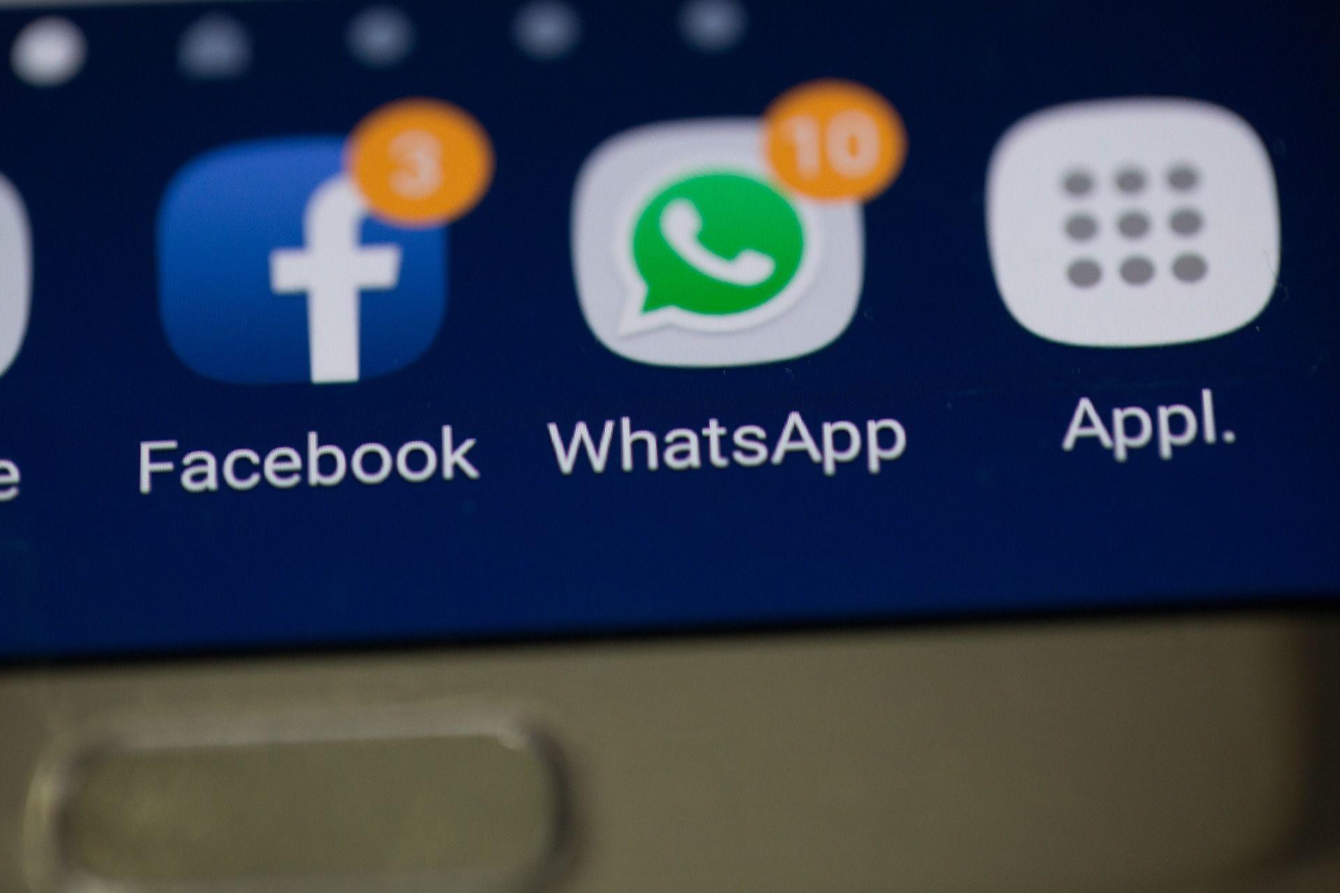 WhatsApp đã truyền tin nhắn, hình ảnh và người dùng lên Facebook trong một thời gian dài - Sputnik Việt Nam, 1920, 13.05.2021