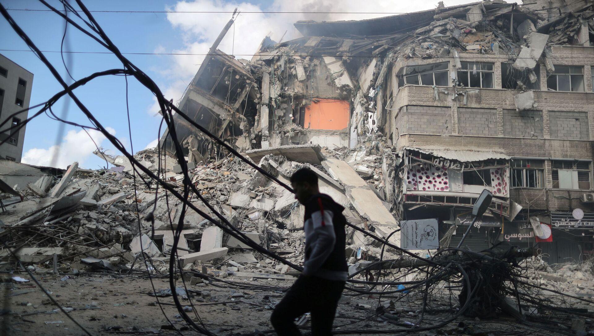 Tòa nhà cao tầng ở Gaza bị phá hủy sau cuộc không kích của Israel - Sputnik Việt Nam, 1920, 14.05.2021