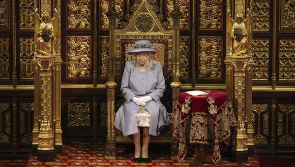 Nữ hoàng Elizabeth II của Vương quốc Anh có bài phát biểu trước Viện Quý tộc tại Điện Westminster ở London - Sputnik Việt Nam
