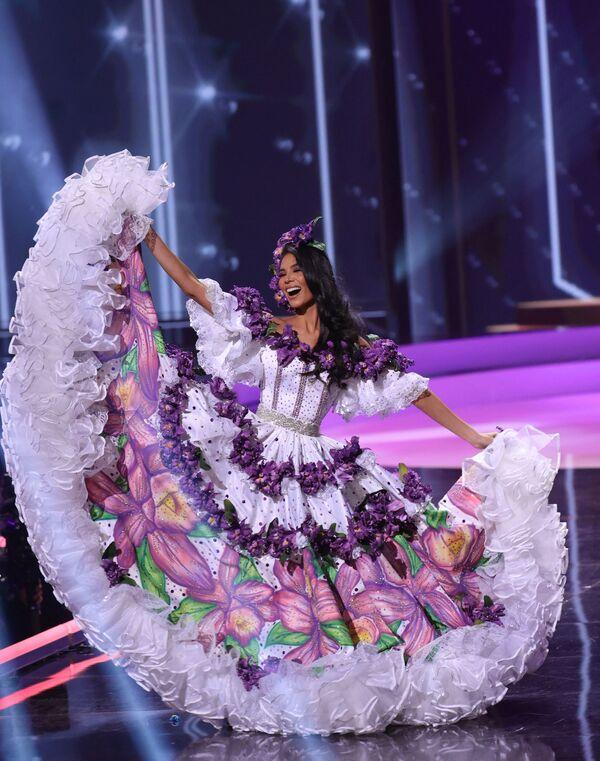 Hoa hậu Costa Rica Ivonne Cerdas Cascante trong phần trình diễn trang phục dân tộc tại cuộc thi Hoa hậu Hoàn vũ lần thứ 69 - Sputnik Việt Nam