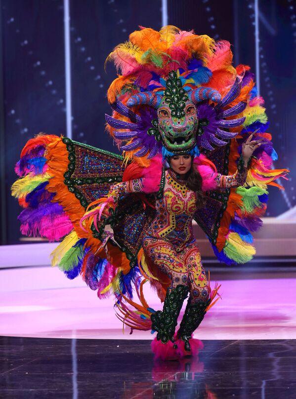 Hoa hậu Mexico Andrea Meza trong phần trình diễn trang phục dân tộc tại cuộc thi Hoa hậu Hoàn vũ lần thứ 69 - Sputnik Việt Nam
